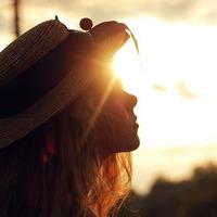 夕阳唯美意境的头像_唯美意境女生头像 夕阳下的那一抹微笑--女生头像--QQ头像-